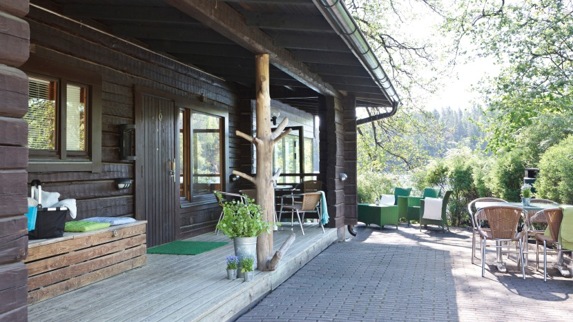 Where to stay in Nuuksio? Accommodation options from tent to hotel